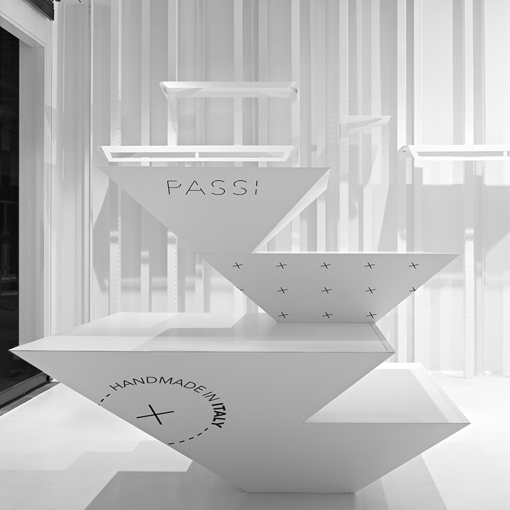 Passi Shoes / Dutchy Design / Branding & Design Portfolio